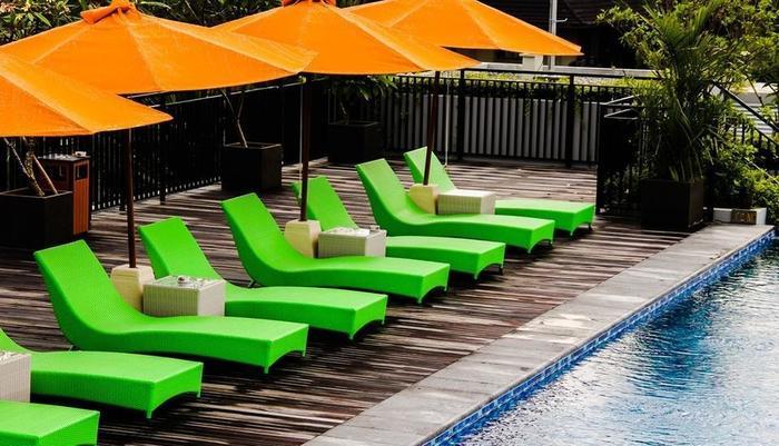 Zest Hotel Legian Bali - Pool