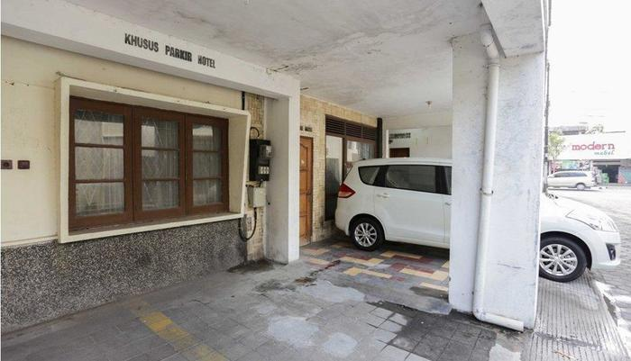 Hotel KU Yogyakarta - Parking Area