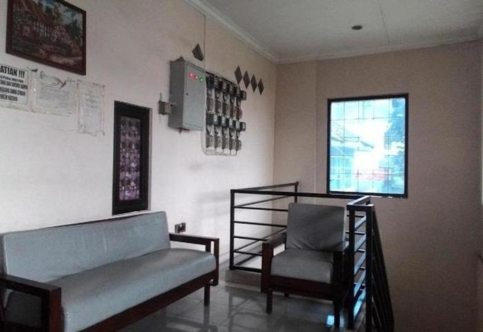 Family Guest House Baratajaya 56 Surabaya - Balkon