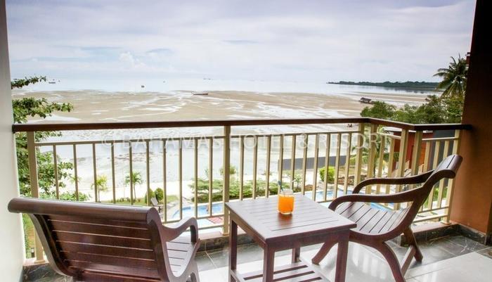 Bahamas Hotel Belitung - Balcony