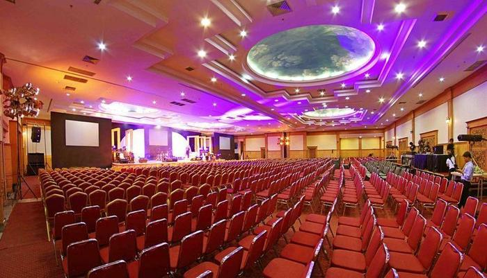 Rocky Plaza Hotel Padang - Ballroom