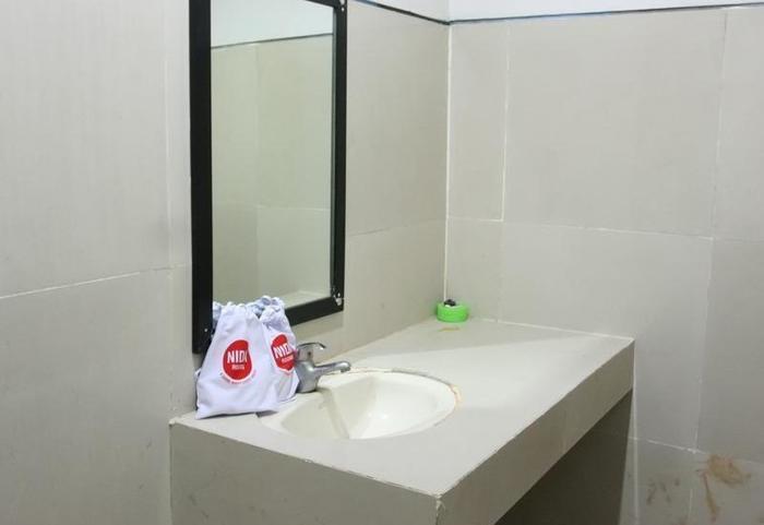 NIDA Rooms Bundo Kandung Padang - Kamar mandi