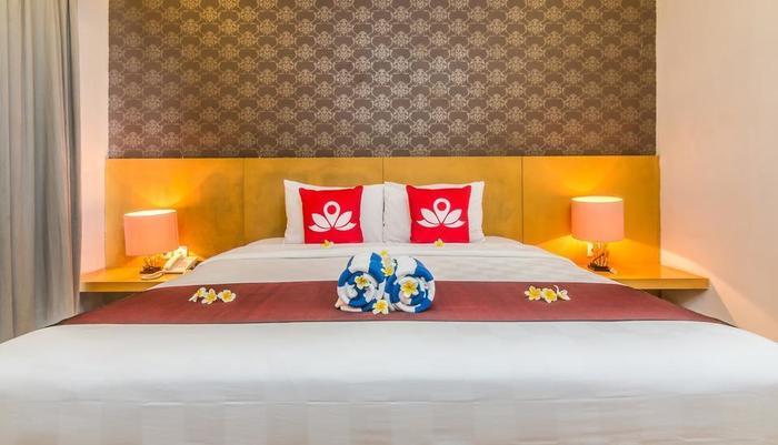 ZenRooms Ubud Penestanan 2 Bali - Tampak tempat tidur double