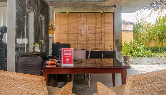 ZenRooms Ubud Penestanan 2 Bali - Resepsionis