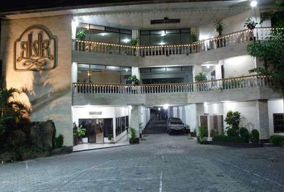 Hotel Kusuma Kartika Sari Solo - Tampak Luar