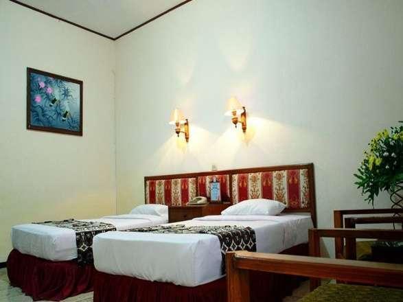 Hotel Kusuma Kartika Sari Solo - Deluxe