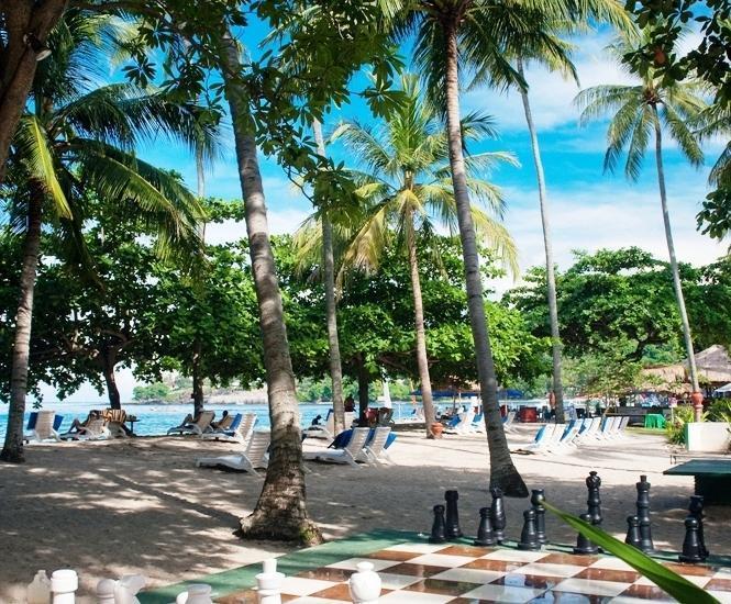Kila Senggigi Beach Hotel Lombok - Catur raksasa