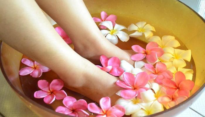 Kila Senggigi Beach Hotel Lombok - Foot Ritual