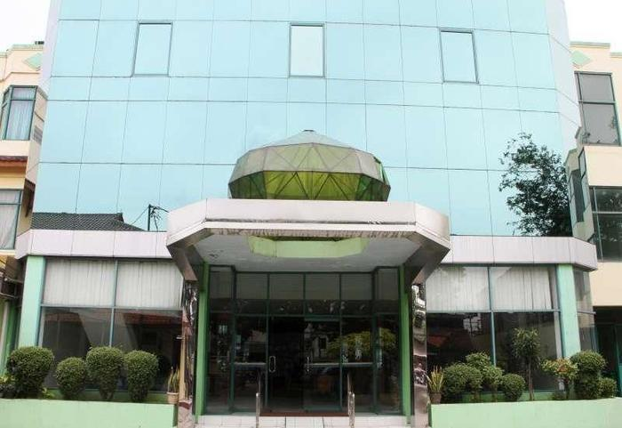 Hotel Huswah Tangerang - Tampilan Luar Hotel