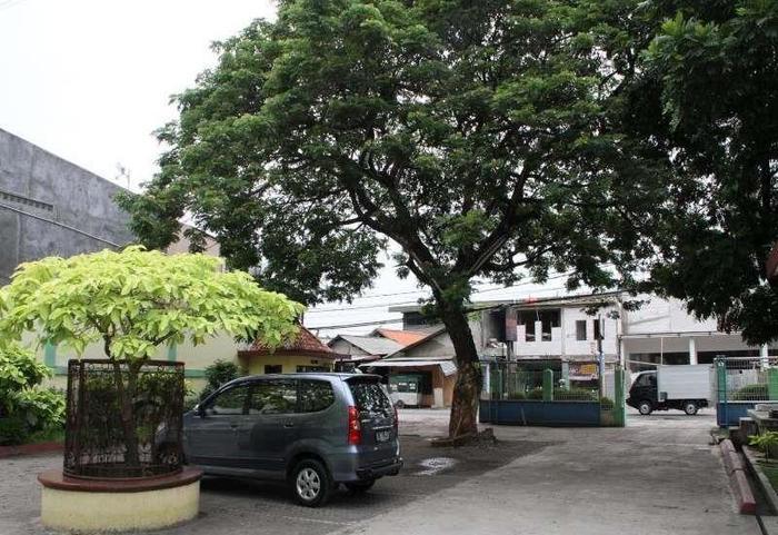 Hotel Huswah Tangerang - Eksterior
