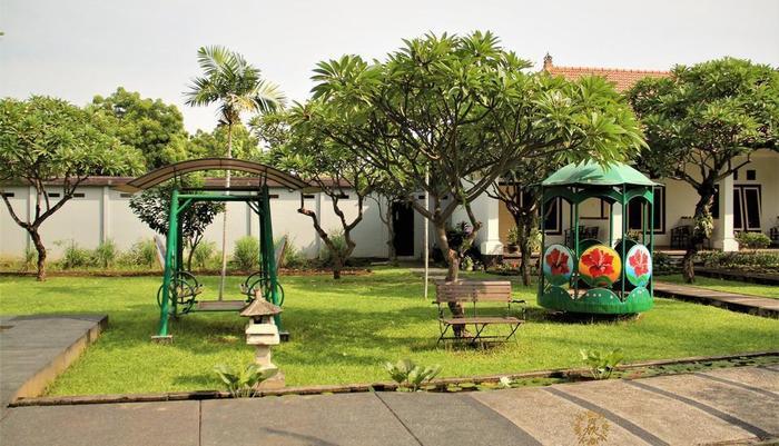 Nibbana Bali Resort Bali - taman bermain