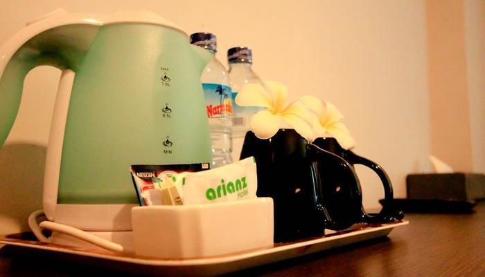 Arianz Hotel Lombok - Pembuat kopi/teh