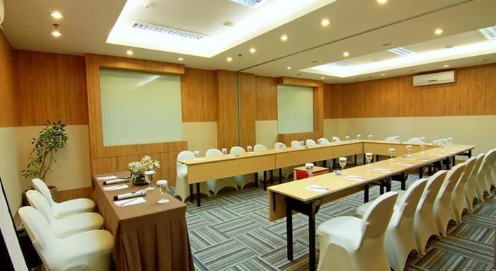 Hom Hotel Semarang - Ruang Rapat
