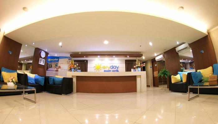 Everyday Smart Hotel Malang - Lobby