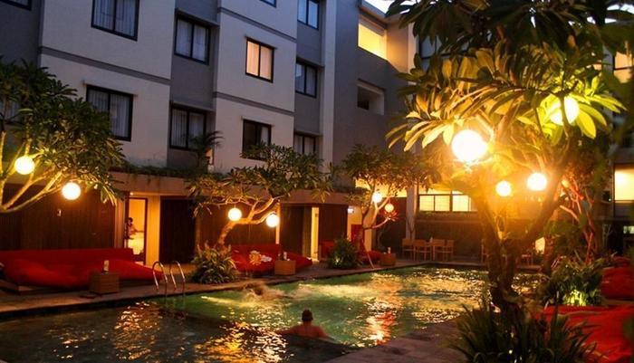 Savvoya Seminyak Hotel Bali - Kolam Renang