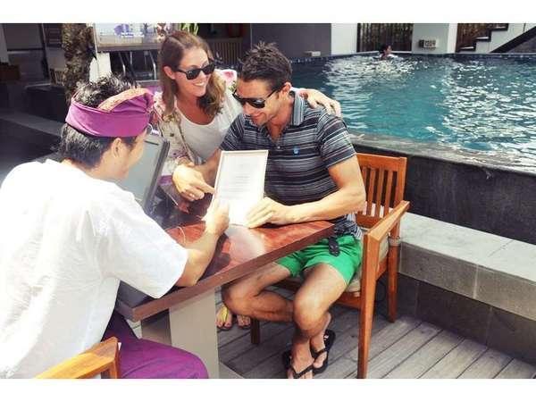 Horison Seminyak - Gratis sertifikat dalam aksara Bali
