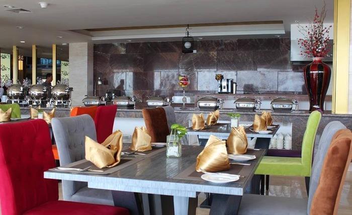 Swiss-Belhotel Makassar Makassar - Cafe