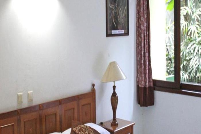 Hotel Winotosastro Garden Yogyakarta - Kamar tamu