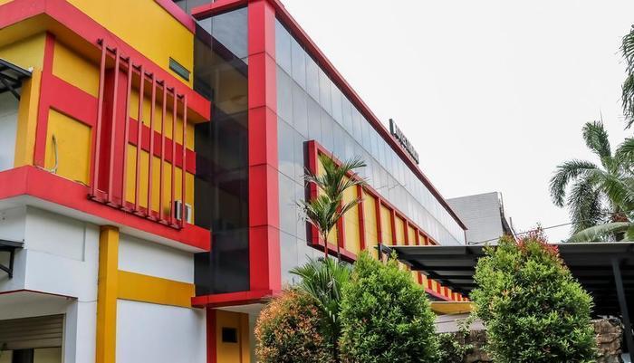 NIDA Rooms Taman Anggrek Mall Kedoya Raya - Eksterior