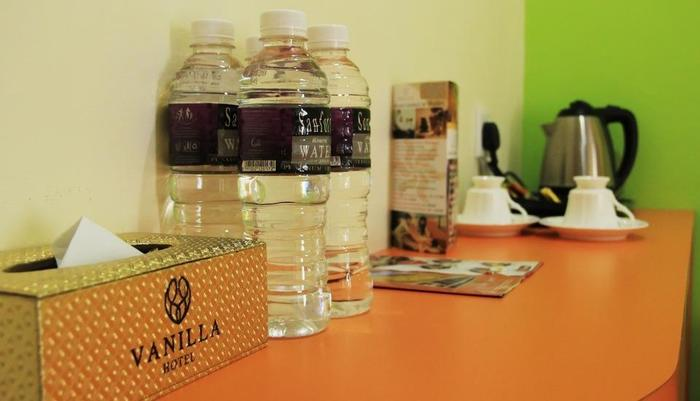 Vanilla Hotel Batam - WATER & COFFEE MAKER