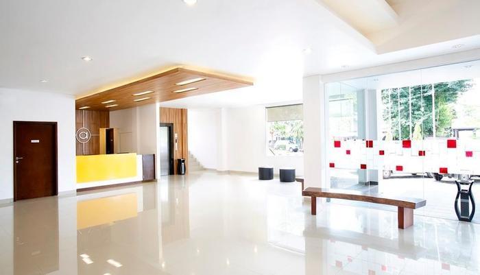 Amaris Hotel Tangerang - Lobby