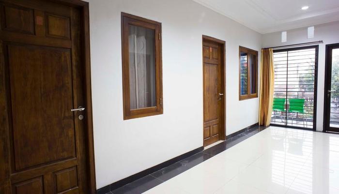 RedDoorz @Blok A Jakarta - Interior