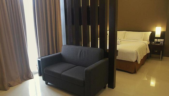 Maestro Hotel Kota Baru Pontianak - Kamar Junior Suite
