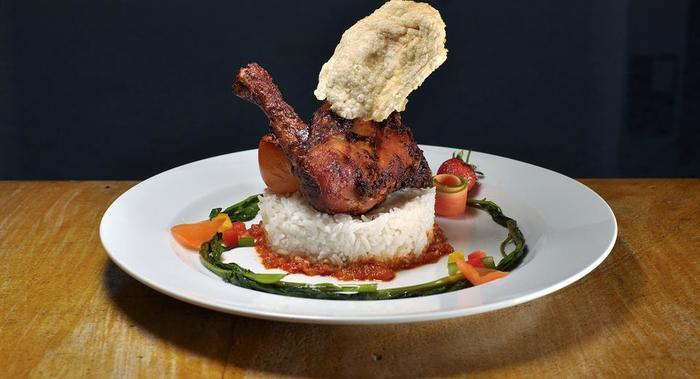 Maestro Hotel Kota Baru Pontianak - Makanan