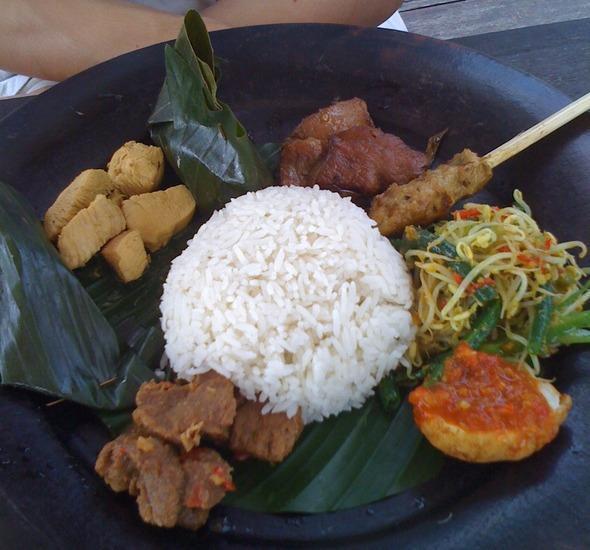 Jepun Bali Homestay Bali - Nasi Campur di Sate Bali