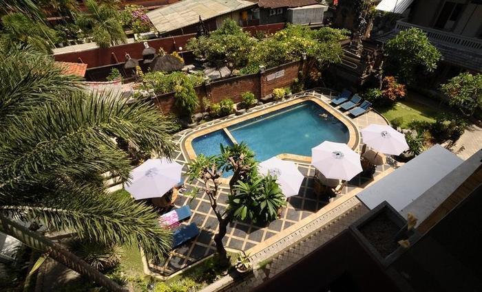Sandat Hotel Kuta - Luar Hotel