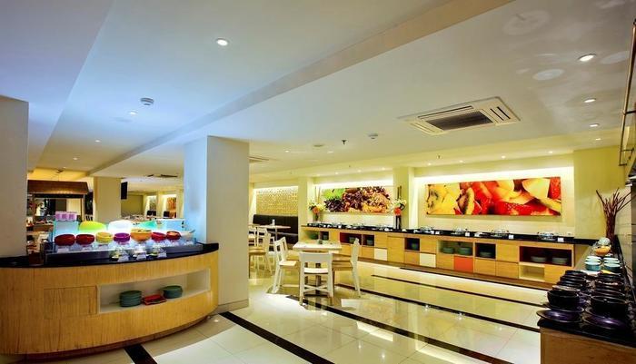 HARRIS Hotel Seminyak Bali - HARRIS Seminyak Breakfast