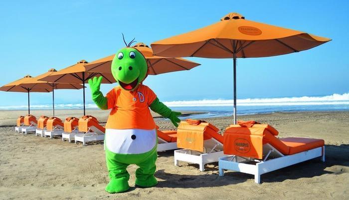 HARRIS Hotel Seminyak Bali - Fasilitas HARRIS Beach