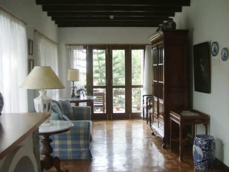 Villa Istana Bunga 2 Bedrooms Bandung - Villa Hari