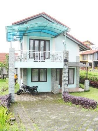 Villa Istana Bunga 2 Bedrooms Bandung - Villa Gue