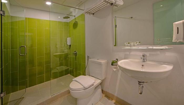 Whiz Hotel Sudirman Pekanbaru - Kamar Mandi