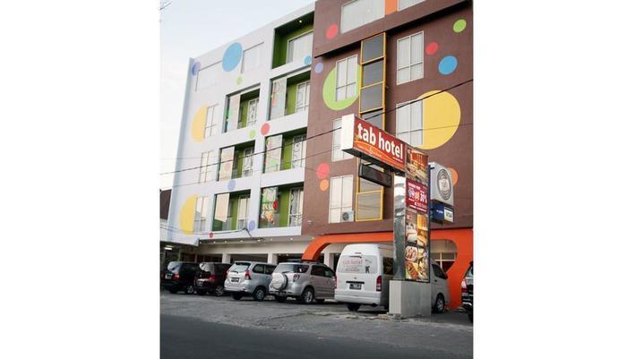Tab Hotel Surabaya - Tampilan Luar Hotel