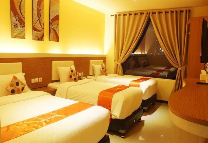 Tab Hotel Surabaya - Family Quadruple Room
