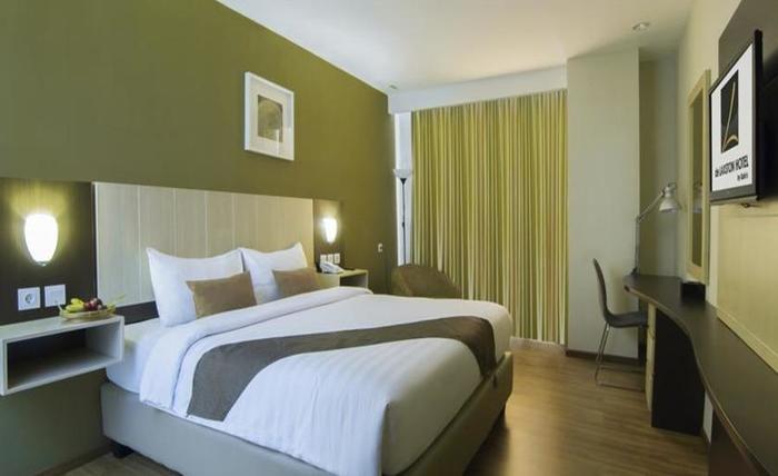 de Laxston Hotel  Yogyakarta - KING SIZE BED