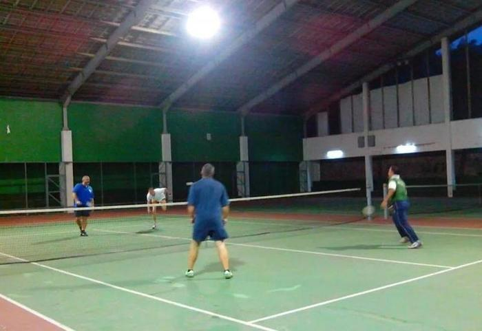 Hotel Surya Prigen Tretes - Lapangan Tenis