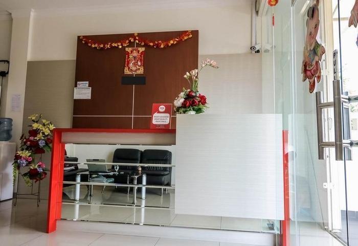 NIDA Rooms Semarang Kalikuping - Resepsionis