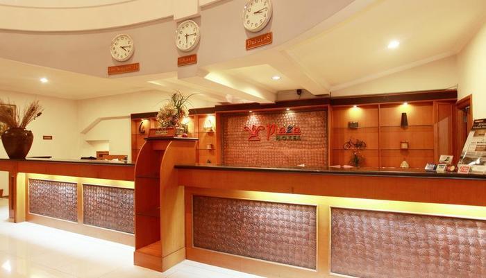 Plaza Hotel Tegal - Meja Resepsionis