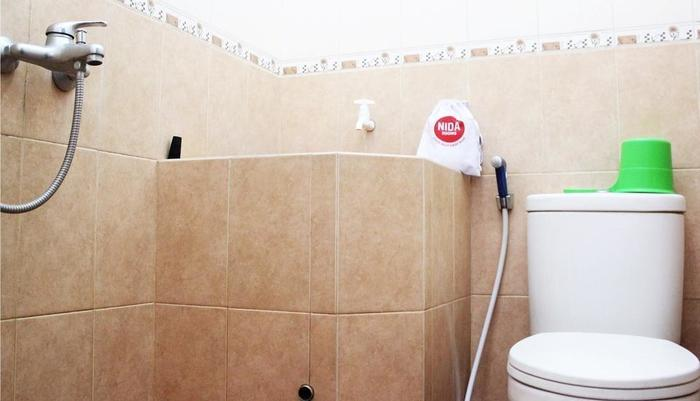 NIDA Rooms Gatot Subroto 29 Kaliwates - Bathroom