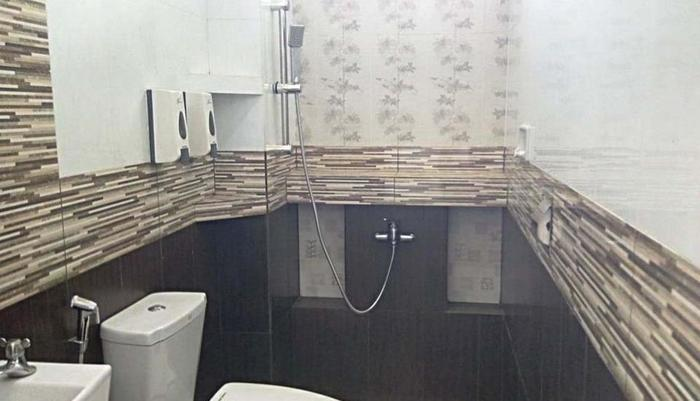 Hotel Buah Sinuan Lembang - PRIVATE BATHROOM WITH HOT SHOWER, SOAP, SHAMPOO, & TISSUE