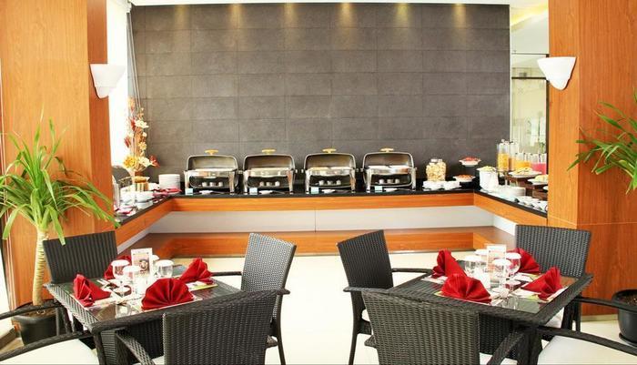 Paragon BIZ Hotel Tangerang - Buffet