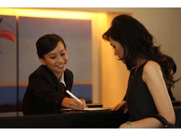 Hotel Santika Makassar - Resepsionis