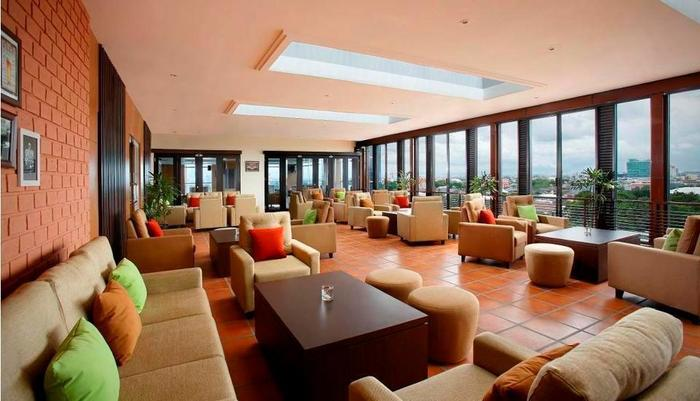 Hotel Santika Makassar - Spermonde Lounge