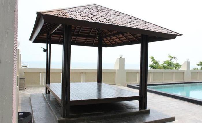 J iCon Residence Balikpapan - Kolam Renang