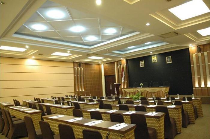 Riyadi Palace Hotel Solo - Balcony