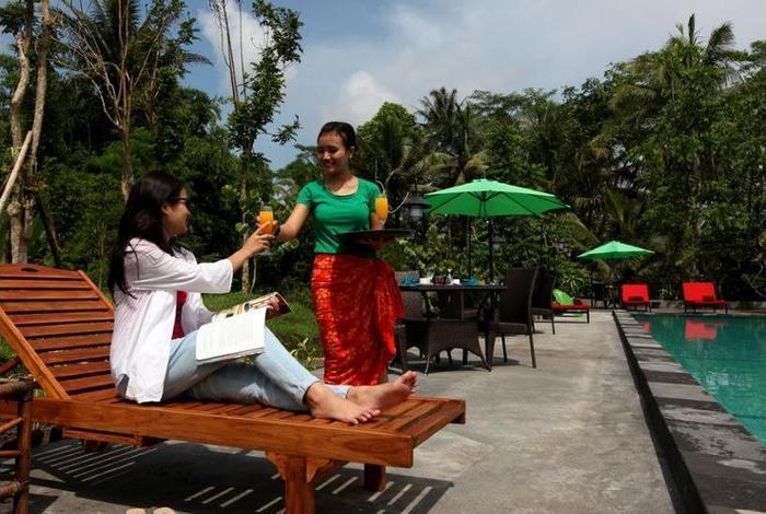 Amata Borobudur Resort Magelang - Outdoor Pool