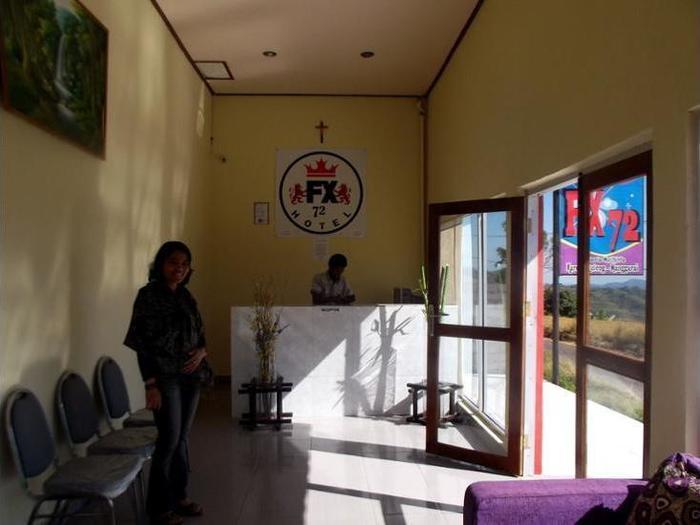 FX 72 Hotel Ruteng Ruteng - Reception